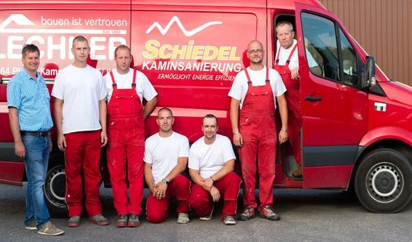 Team Kaminsanierung - am Foto Johann Waschl, Andreas Jamy, Thomas Neuninger, Mario Niedzballa, Arnold Hauer, Franz Hager und Stanislaw Leszko