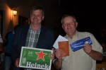 Lustig war es bei der Geburtstagsfeier von Stanislaw Leszko bei der Überreichung der Geschenke