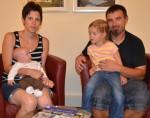 Jürgen Hauer mit seiner Frau und seinem Sohn Luca und Tochter Celine