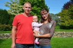 Unser Mitarbeiter in der Kaminsanierung Andreas Jamy mit seiner kleinen Familie
