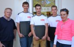 Unsere Lehrlinge Julian Binder, Patrick Tutsch und Nico Hirt mit Juniorchef BM DI (FH) Christian Lechner und Lehrlingsexpertin Petra Pinker