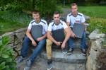 die Lechner-Lehrlinge Julian Binder, Patrick Tutsch und Nico Hirt mit ihren neuen Lehrlingsmappen