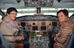 Selbst ein Flugzeug lenken war schon immer der Traum von Roswitha und Ludmilla