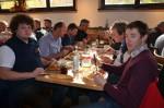 Unsere Mitarbeiter beim köstlichen Mittagessen im Schweizerhaus