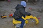 Unser Alexander war ganz beeindruckt von de Spielplätzen in der Seestadt Aspern