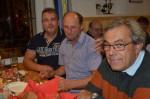 Helmut Zollner, Rudi Hahn und Leopold Eigner in lustiger Runde beim Heurigen Robert Breit in Stiefern.