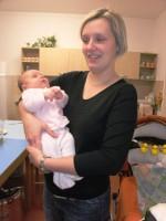 Tochter von Alois mit Baby
