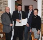 Ing. Michael Widhalm mit der Firmenleitung bei der Ehrung für 15 Jahre Betriebszugehörigkeit