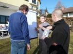 Anton Gutmeier und Rudi Leopold mit Mario Niedzballa beim Team - Seminar