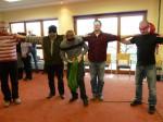 die restliche Gruppe beim Lösen der Aufgabe im Team-Seminar